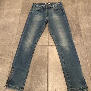 Banana Republic Light Wash Skinny Jeans